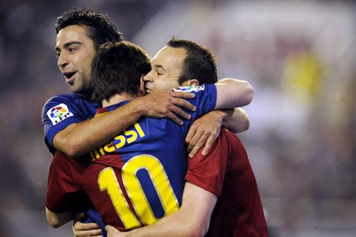 xavi-messi-iniesta-ballon-or-2010