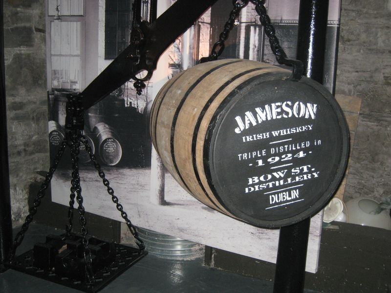 dublin-old-jameson-distillery-tonneau-suspendu